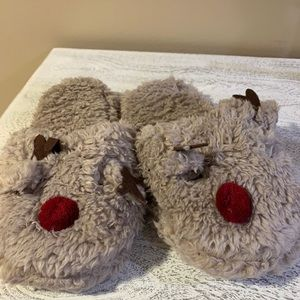 NWOT Fluffy Reindeer Slippers